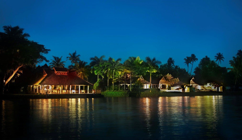 kumarakom lake resort package